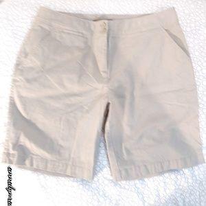 Tommy Bahama / Khaki Bermuda Short / Size 10